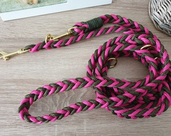 Tau dog leash - adjustable, flat knotted