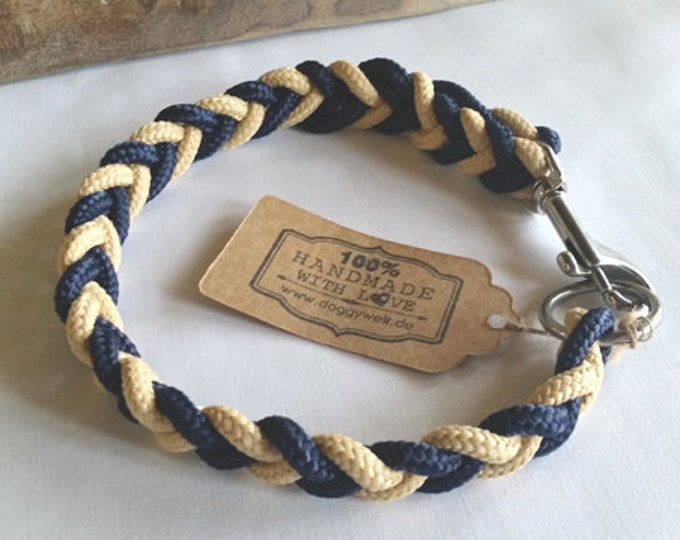 Dog collar tau-flat knotted