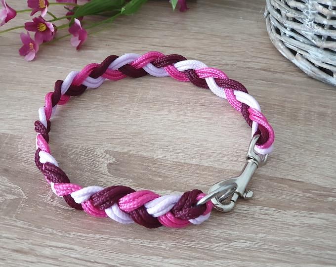 Dog collar tau - flat knotted
