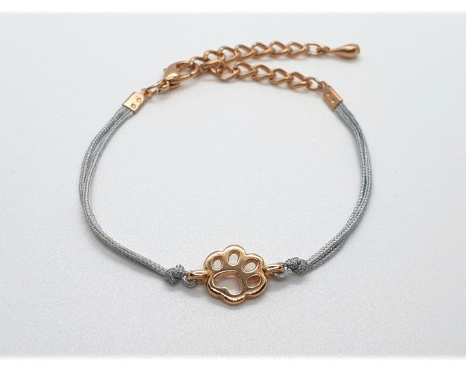 Bracelet with paw