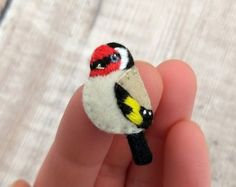 Small goldfinch felt brooch