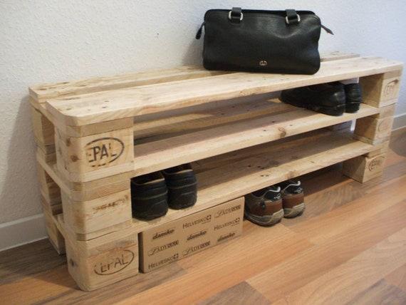 "Shoe rack ""Versen"" with 3 floors of pallets / pallet furniture"