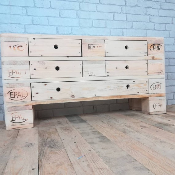 """Chest of drawers """"Little Moritz"""" with 5 drawers made of pallets / pallet furniture"""