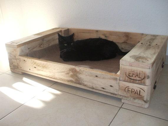 hundebett katzenbett aus palettenholz palettenm bel etsy. Black Bedroom Furniture Sets. Home Design Ideas