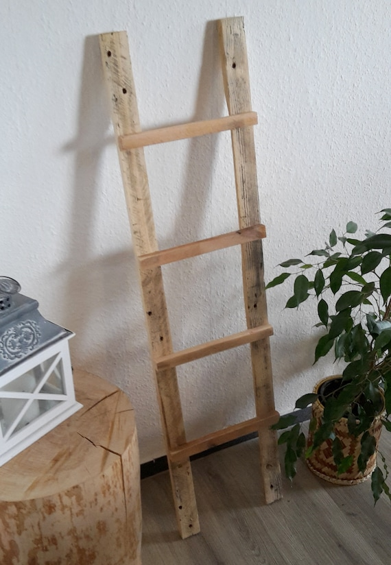 Decorative ladder ladder made of pallet wood / pallet furniture