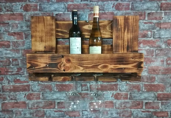 Small wine rack made of pallet wood / pallet furniture