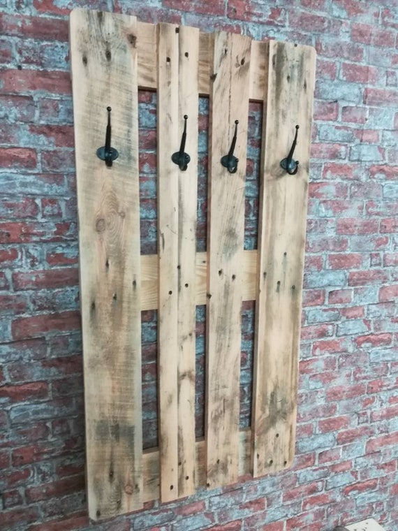 "Wardrobe ""Juist"" with 4 hooks made of pallets / pallet furniture"