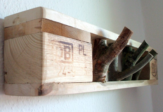 """Small design wardrobe """"Föhr"""" made of pallets with 4 hooks -only 66 cm long / pallet furniture"""