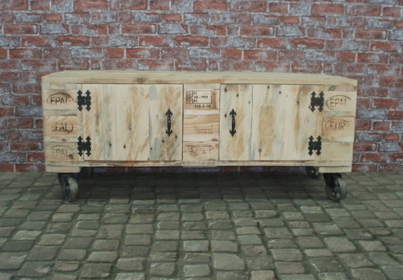 "Lowboard ""Oslo"" / TV cabinet / chest of drawers made of pallets with 2 doors / pallet furniture"
