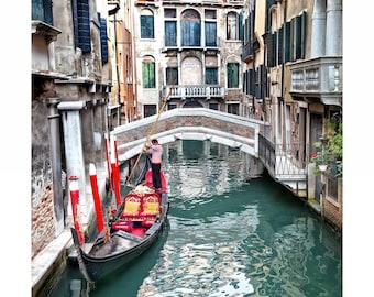 Attendere, Venice, ITALY