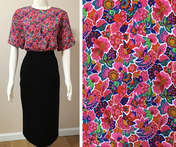 1980s Vibrant Floral Pattern Blouse With Button-do