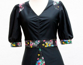 Vintage dress mini / 70s / black with flowers