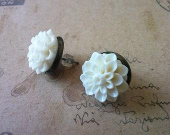 White dahlia earrings