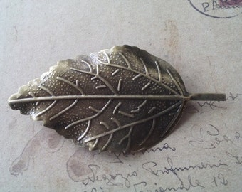 Leaf brooch ~ bronze-