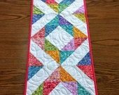 PDF pattern for quilted table runner