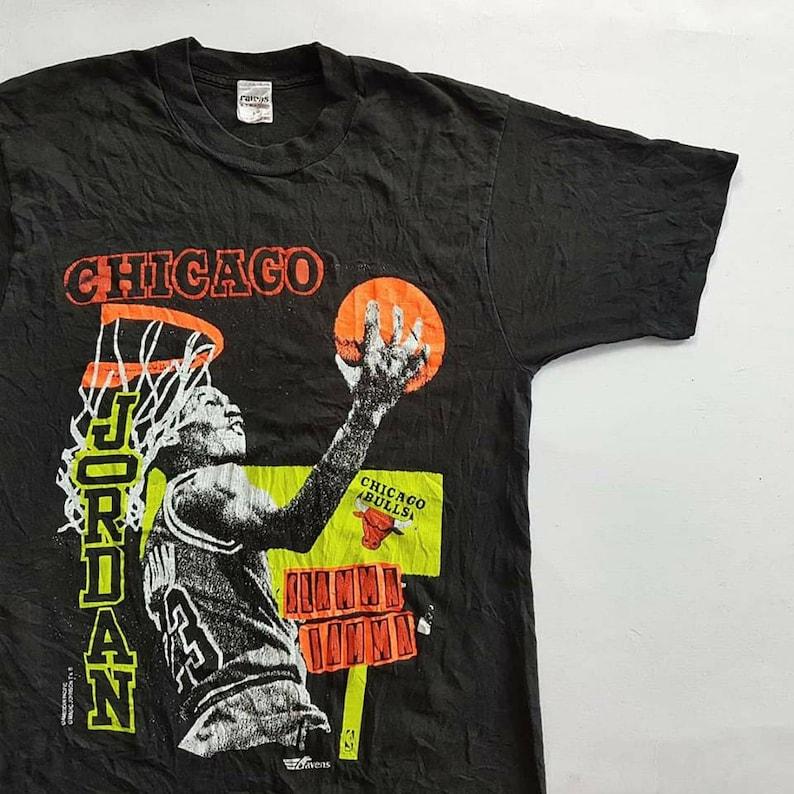 3ec60cf720e29f Vintage 90 s Michael Jordan Chicago Bulls Slamma Jamma T