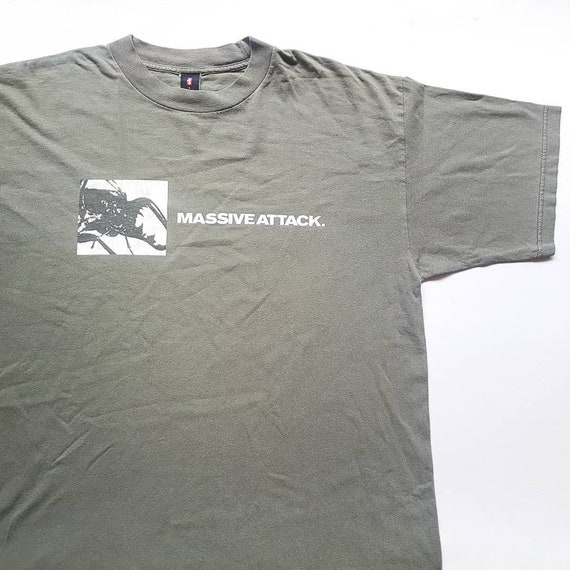 Vintage 90's Massive Attack Mezzanine T Shirt size