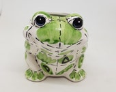 Frog candle, container for candle, frog in dabbling, ideal for collectors