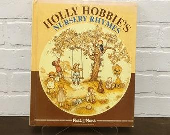 b73b954576f328 Nursery di grande 1977 Holly Hobbie Rhymes libro per bambini