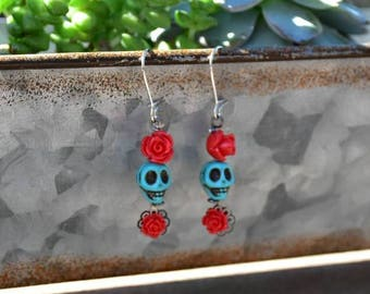 Day of the Dead//Dia de los muertos//turquoise sugar skull//earrings