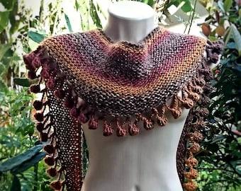 knit Shawlette with pom pom border
