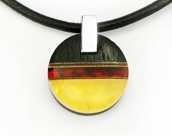 WO3 pendant - amber, silver, black oak