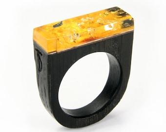 Ring - wood - black oak, amber, gold