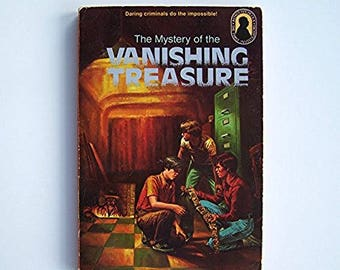 The Three Investigators - The Mystery of the Vanishing Treasure by Robert Arthur -  paperback - Older Reader Children's Book - Detectives