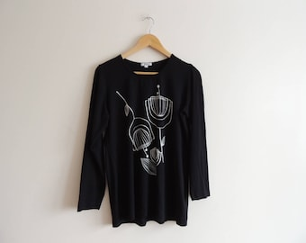 FREE SHIPPING - Vintage FINNWEAR Black long sleeve top with white tulips, size S, D36/38