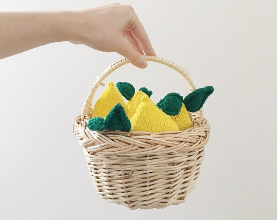 lemon knitted toy, montessori toy-shaped lemon