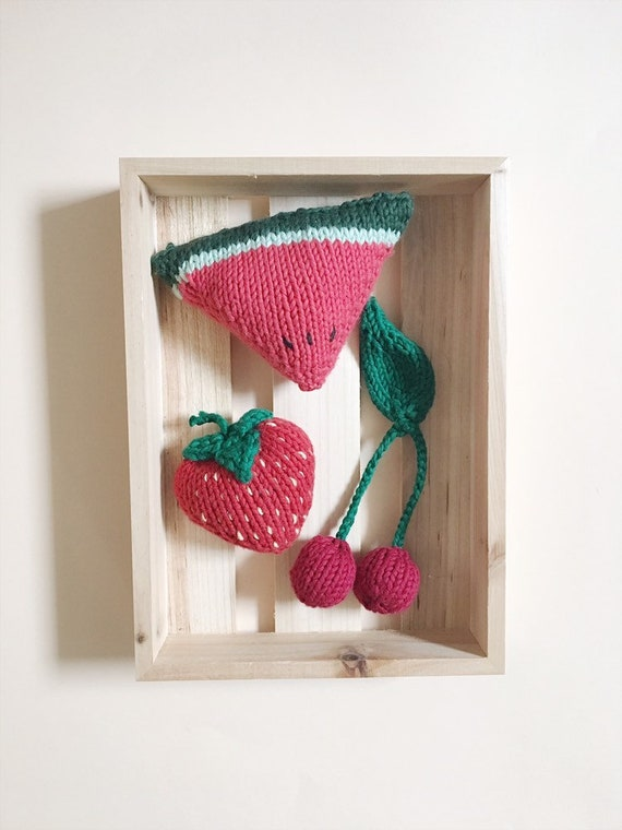 The Red knit market, knitting collectible fruit basket