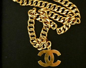 97c17389d1e Authentic CHANEL Gold Plated CC Logo Charm Oversized Chain Necklace