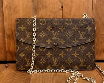 631aeaee4d16 Vintage LOUIS VUITTON Monogram Pochette Double Rabat Crossbody Clutch Bag  with Replacement Chain