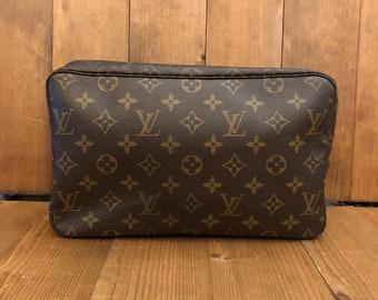 Authentic LOUIS VUITTON Monogram Trousse 28 Travel Cosmetic Pouch 816efe140ef5d