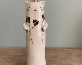 Soliflore cat with flowers bordeau in ceramic enamelled vase