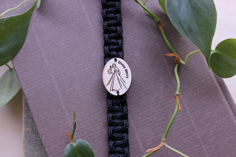Divine Mercy Bracelet Wooden Medal image 0