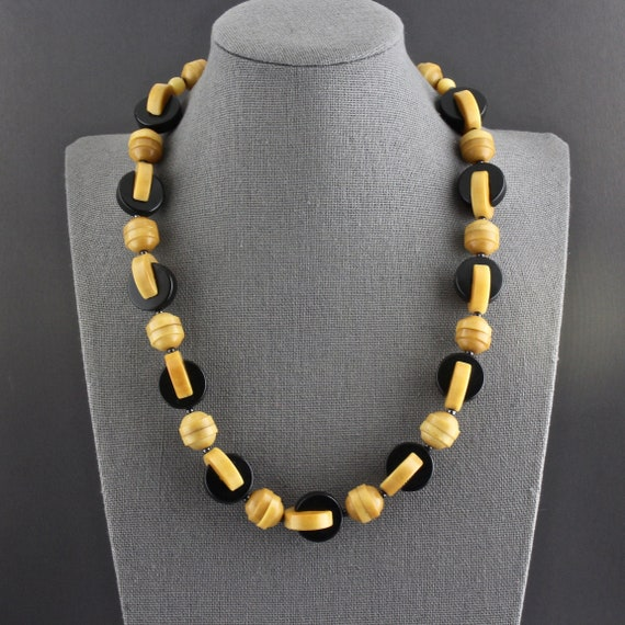 Vintage Art Deco Style Carved And Dyed Vegetable Ivory Tagua Nut Necklace