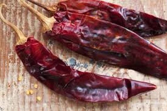 Guajillo chilli, dried chillies. 50G