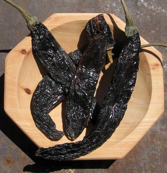Pasilla chilli, dried chillies. 50G