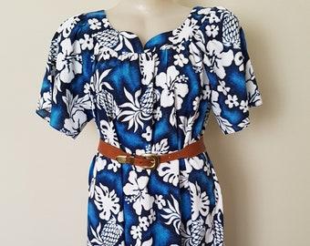 f1e5b706c43 Vintage As New Blue and White Floral Hawaiian Muumuu Dress Size Large
