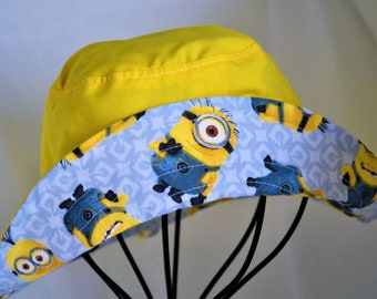 Childs reversible minion inspired bucket hat