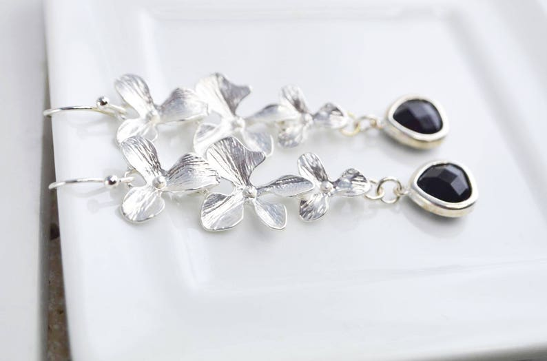 Crystal earrings and  beautiful flowers pendants fine and delicate jewel perfect gift for her Elegant and discreet earrings