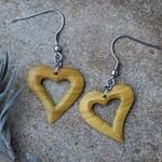 Wooden earrings heart//hand carved//earrings wood//Holzohr hanger//handmade//natural//Heart earrings//Love//Valentine's Day