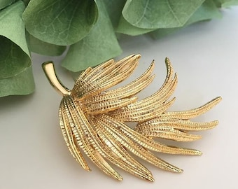VINTAGE brooch - leaf