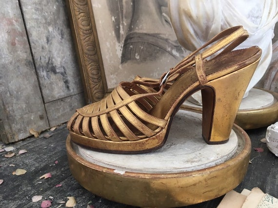 1930s Gold lame leather shoes - image 3