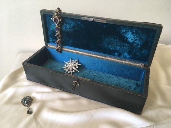 Antique velvet jewelery box