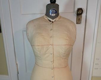 ACME MANNEQUIN Vintage ADJUSTABLE Female Dress Form, Wedding Dress Holder Sz 30, Quilted Covered Dress Form, Dress Maker Form