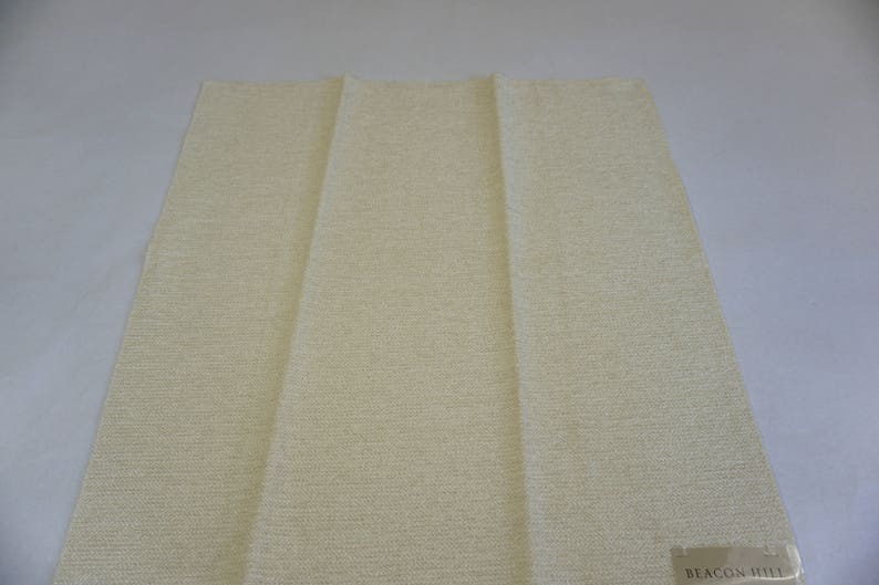 Remnant 25 x 26 Off White Upholstery Weight Fabric Beacon Hill Fabric Sample Seat Chair Foot Stool Pillow Top Free Ship Boucle Loft