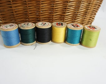 Vintage Wooden Thread Spools, Antique Sewing, Vintage Notions, 6 Wooden Sewing Spools Threads, SPUN DEE Polyester Threads,  Free Ship