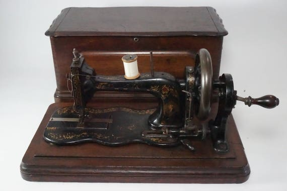 Bradbury Letter S Hand Crank Sewing Machine 40 Etsy Inspiration Sewing Machine Wellington